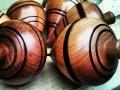 feria-de-artesania-2013-objetos-de-madera-trompos-elaborados-por-pedro-isidro-gonzalez-lorenzo-villa-de-mazo